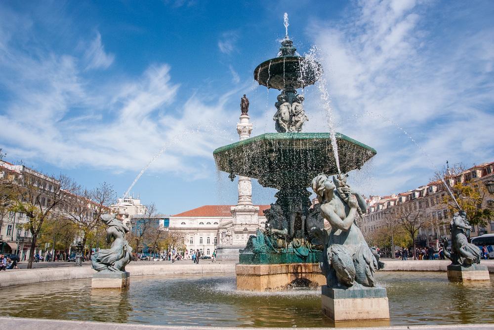Rossio Square fountain
