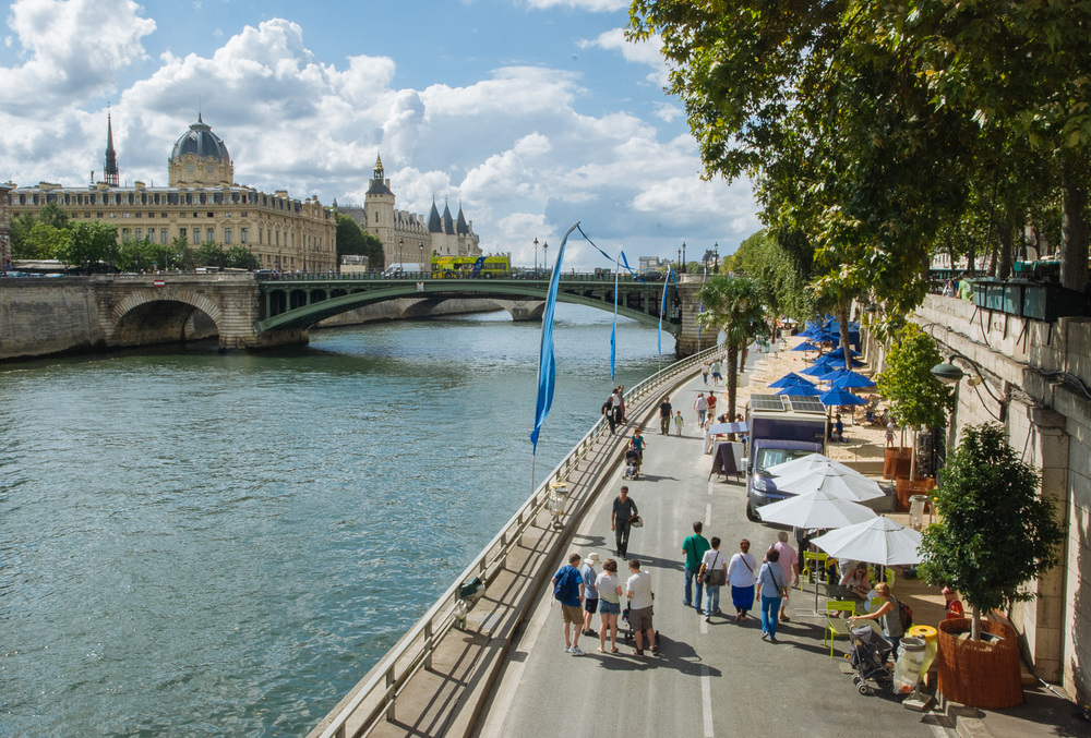 Paris-Plages along the Seine