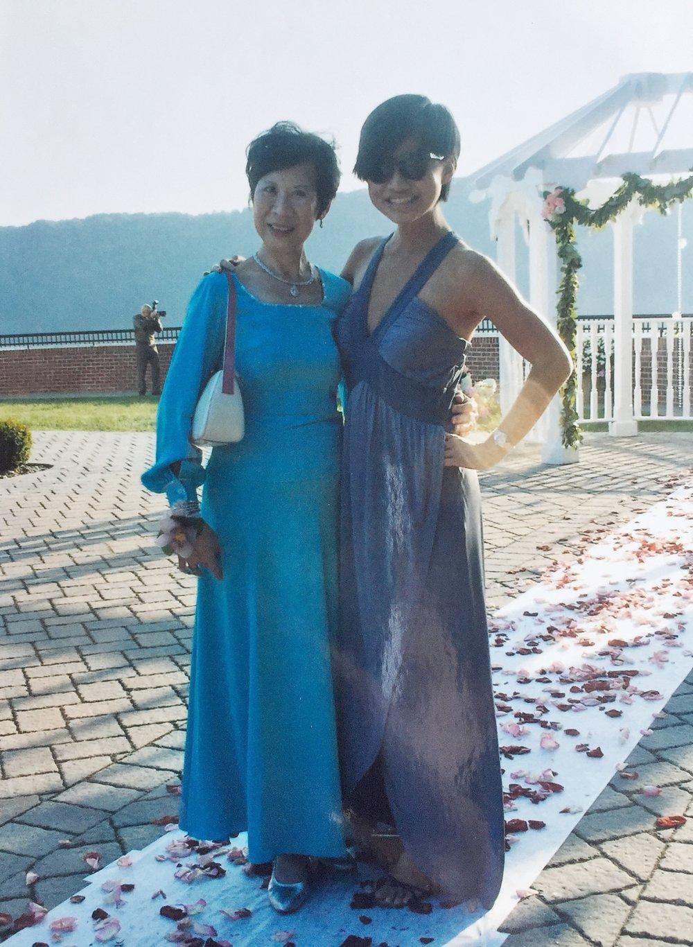 Jess and Grandma - wedding.JPG