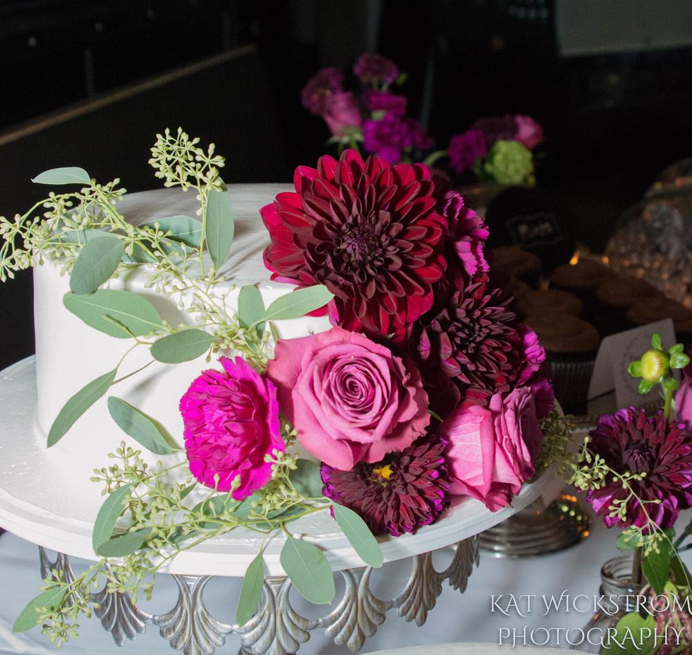 Woodland Hills Cafe Fiore Wedding Reception Cake