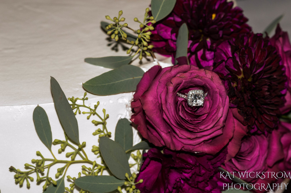 Woodland Hills Cafe Fiore Wedding Cake Rings