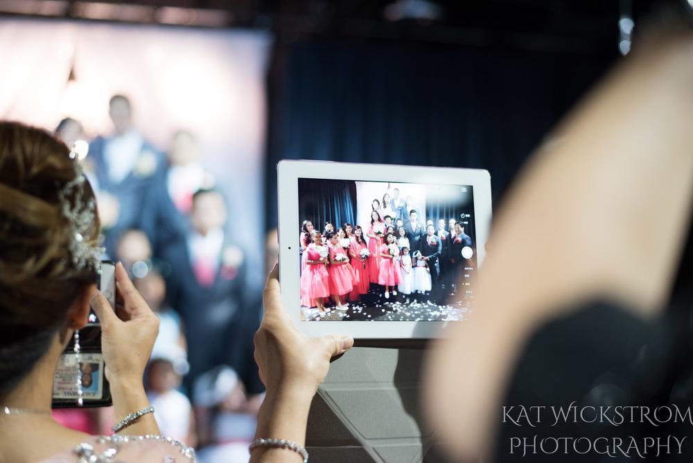 ipad photography at a wedding