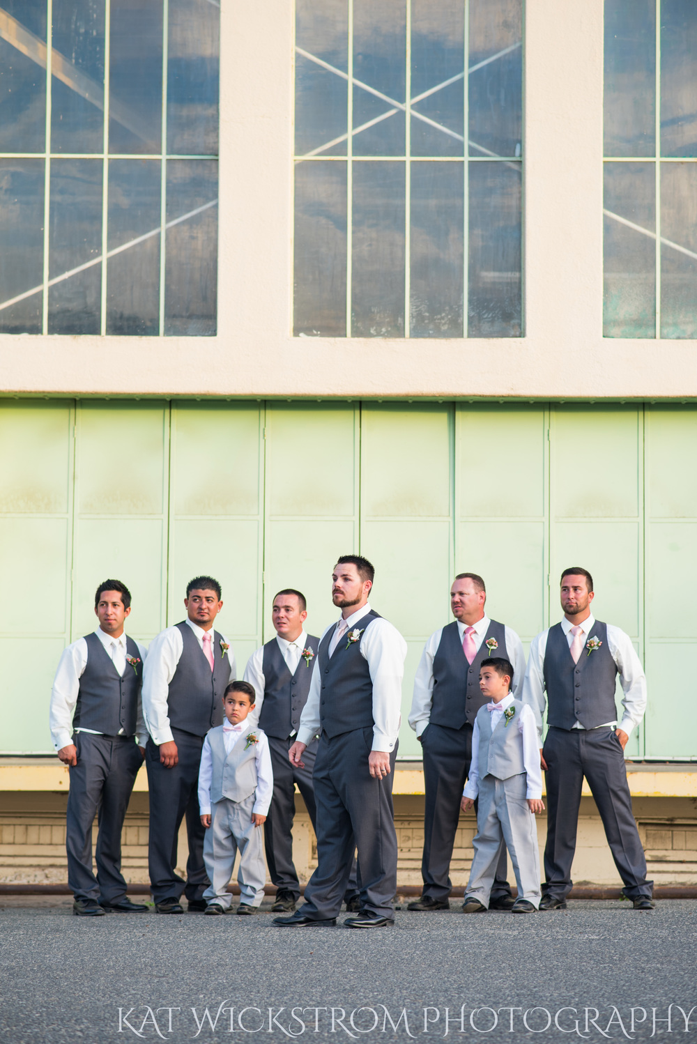 Look at these awesome groomsmen.
