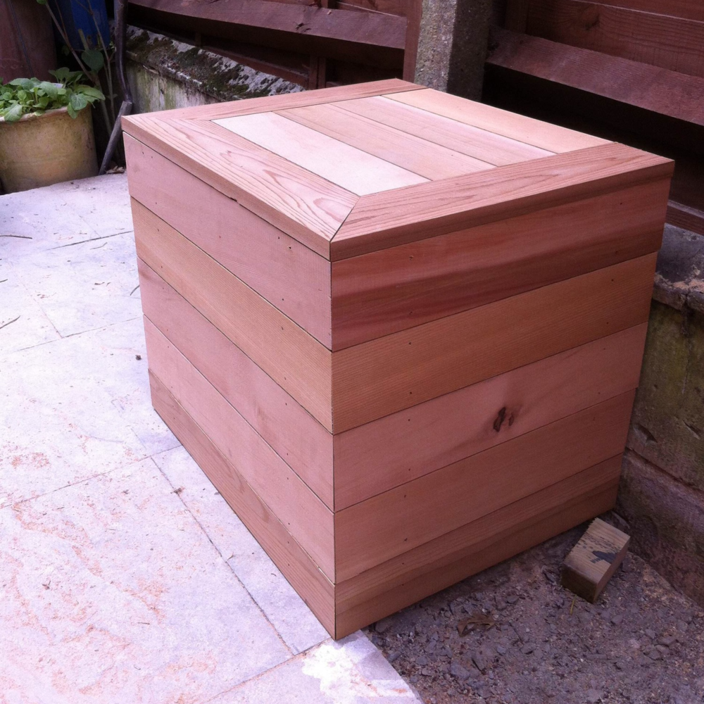 Oak Dustbin Cover