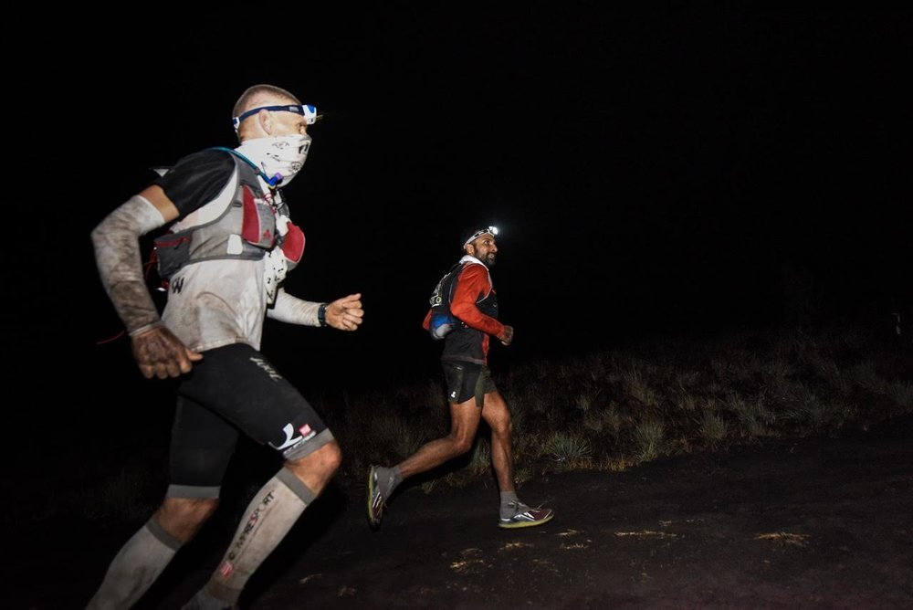 Jan Nilsen (in white) was running with eventual winner Ullas Narayana for a long time last year