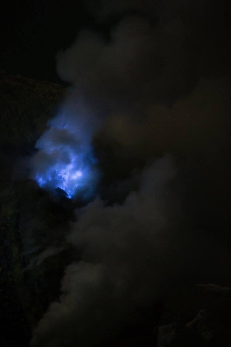 Ijen2 blue.jpg