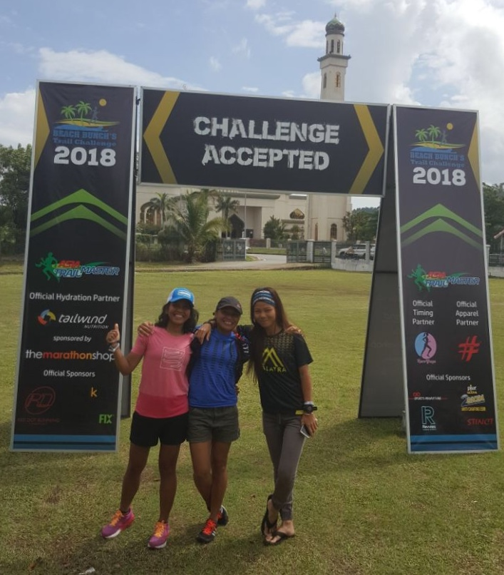The women's 100K podium: Ruth Theresia, Sri Wahyuni and new Grandmaster Jess Lintanga