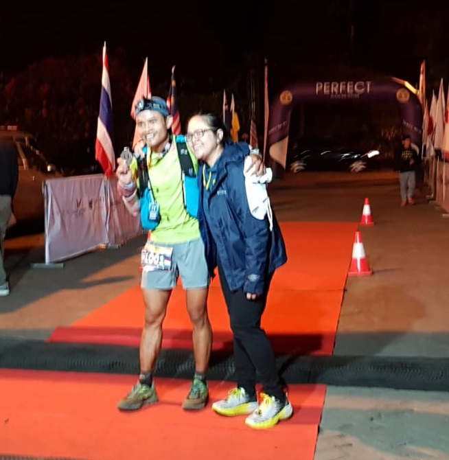 Arief flanked by his wife comes in 2nd
