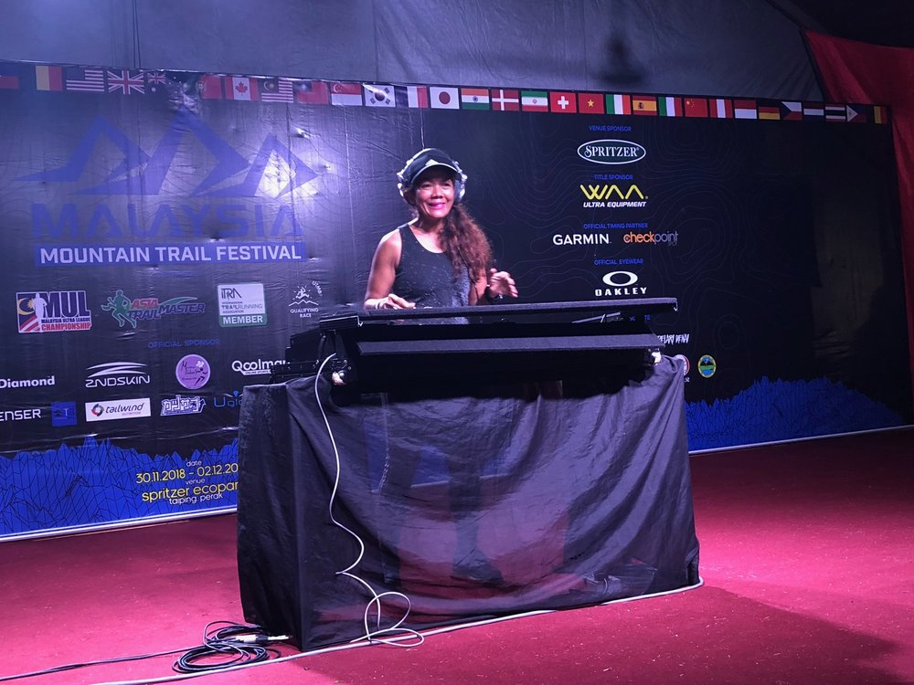 2-Star Grandmaster Lily Suryani spinning the wheels at night
