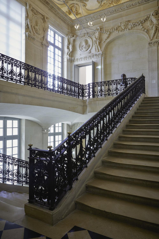 """L """"Escalier d'Honneur' leading to the Jupiter Salon ©Fabien Campoverde"""