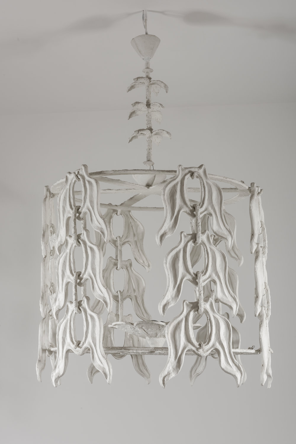 Diego Giacometti (1902-1985)  Pendant light with folliage motive executed at Robert Haligon Studio, Périgny-sur-Yerres, [1983-1985], on display at Musée national Picasso-Paris; white resin, 180 cm height x 130 cm diameter ©Philippe Fuzeau/ Musée national Picasso-Paris