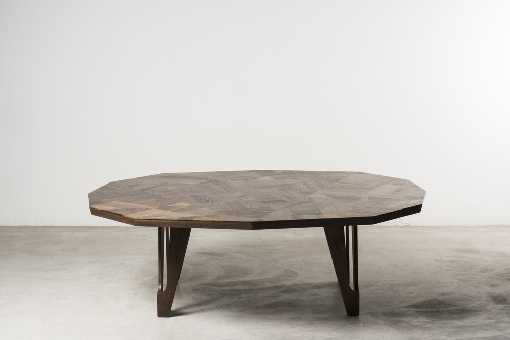 Off‐Cut low table, UK, 2018, on display at Nilufar stand, Design Miami 2018  Design: Martino Gamper Reclaimed teak, Unique piece customizable for colors and dimensions Size: 123 x 147 x h 45 cm / 48.4 x 57.9 x h 17.7 in  ⓒ Nilufar Gallery