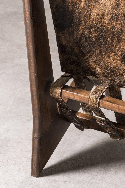 Detail of Zig Zag armchair. ⓒ Nilufar Gallery