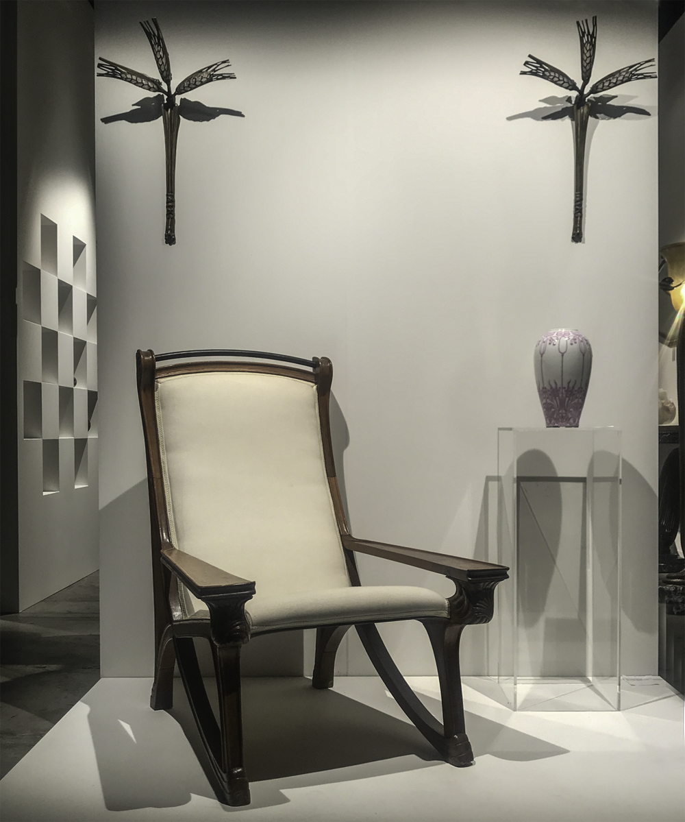 Robert Zehil Gallery - Design Miami/Basel 2018  Art Nouveau armchair with a pair of ´Épis de Blé' Lalique lamps in gild bronze and moulded glass (cca 1908) and Limoges vase by Georges de Feure (cca 1900)