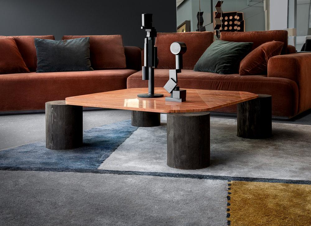Magnifico coffee table and Oblique rug © Niel Vosloo