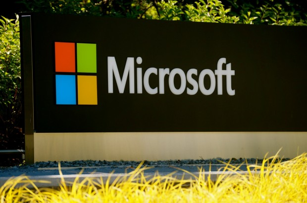 thetechdigg: Microsoft pledges to keep students' data private Microsoft announced today that it is one of the first companies to sign a new pledge designed to protect students' privacy at a time when more technology is flooding into the classroom.