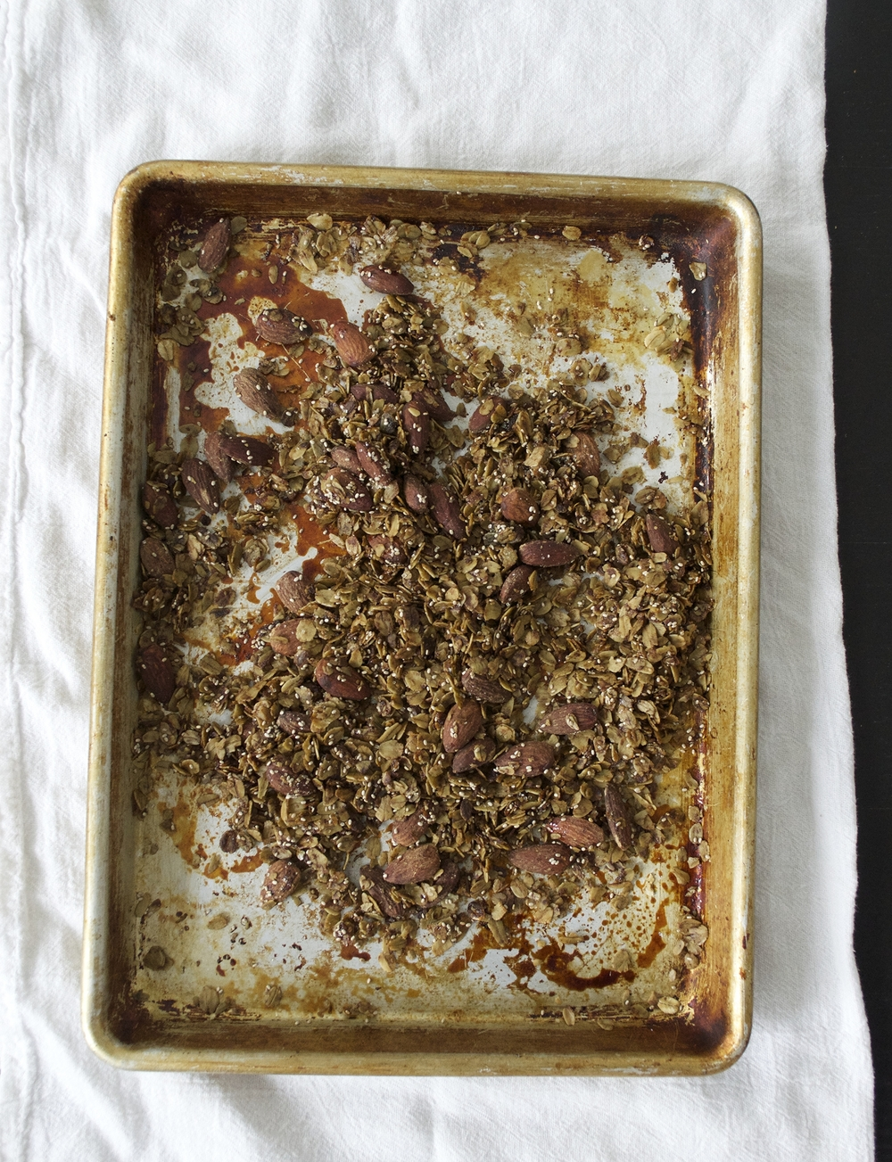 matcha-almond-chia-granola-recipe-overhead.jpg