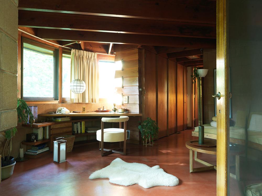 Fig. 3 > Interior of Pepinsky Guest House © Tom Hogan