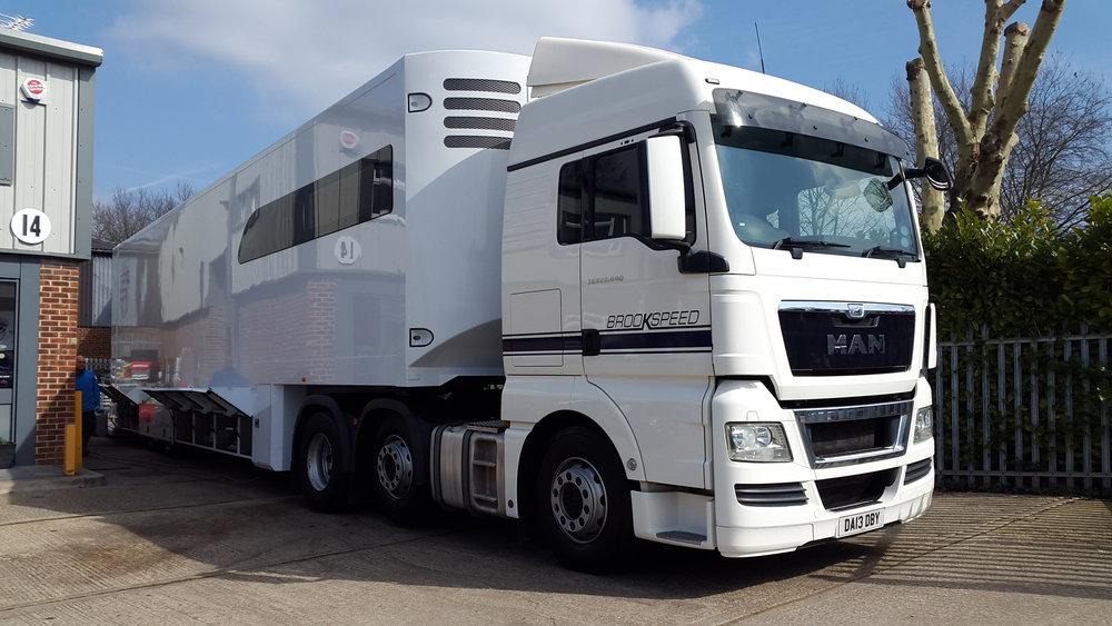 4 car race transporter