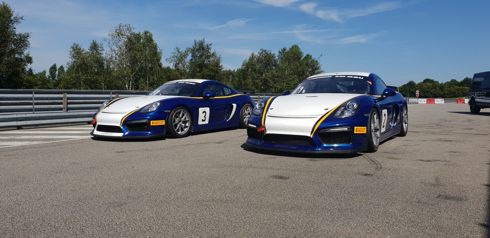 Brookspeed's Cayman's ready for our french track days…………….