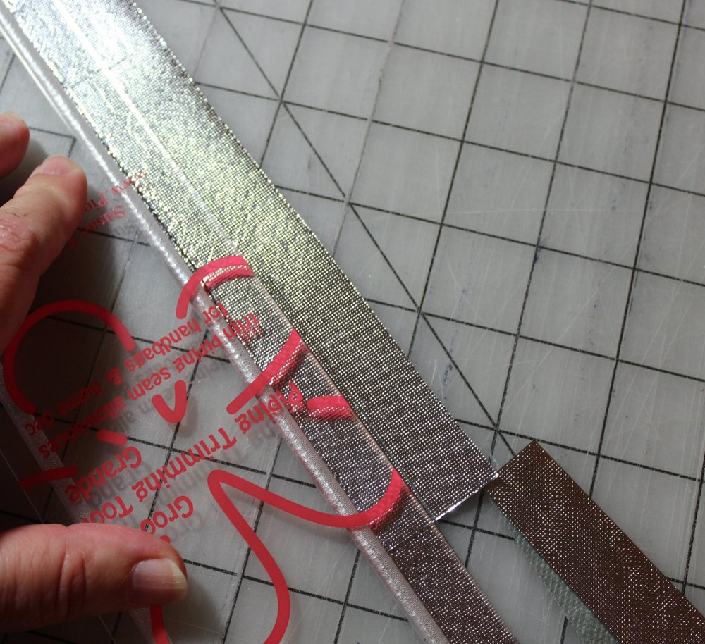 Trim easily with a special grooved acrylic ruler