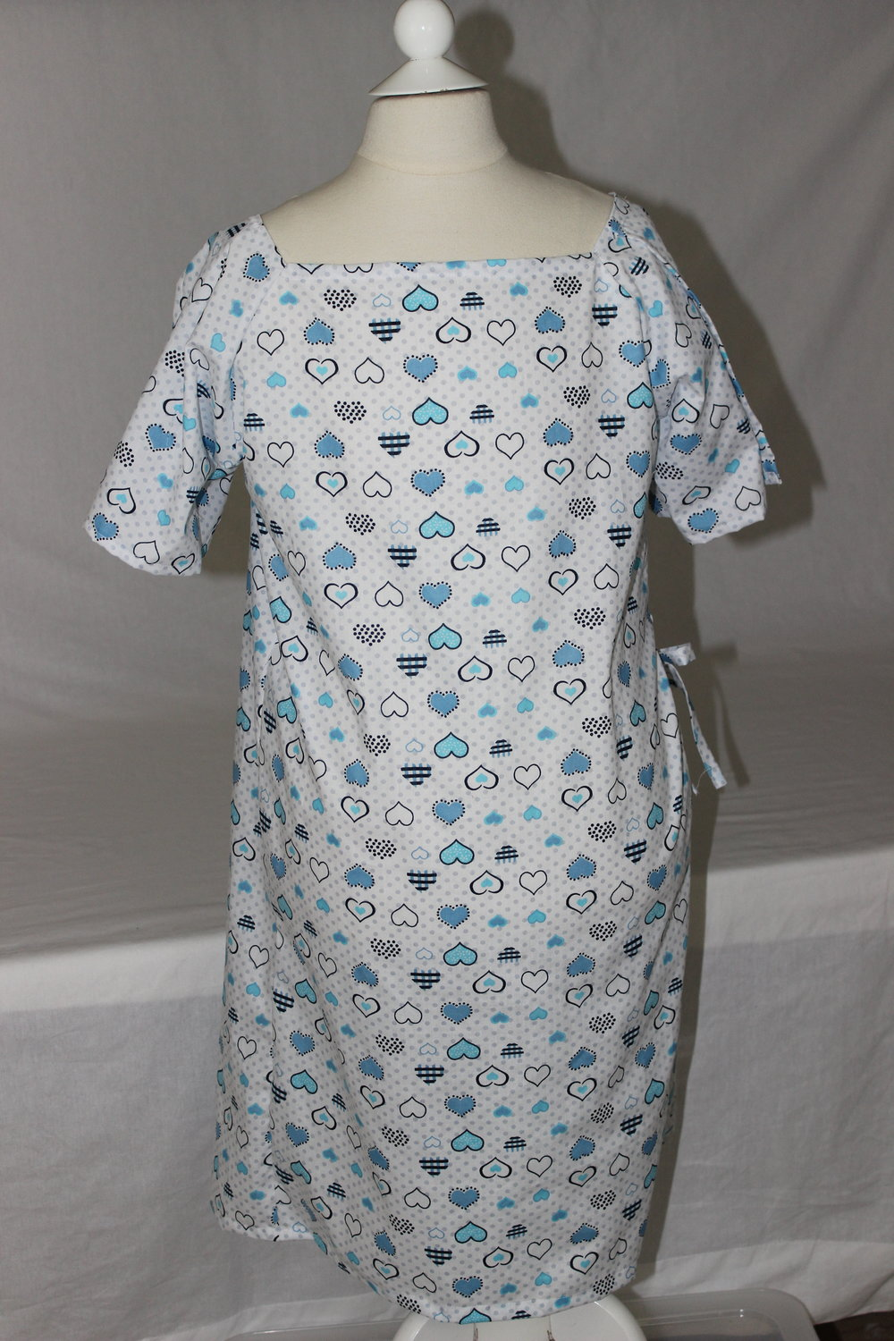 Children\'s Hospital Gown - How to Make the Pattern & Cut the Fabric ...