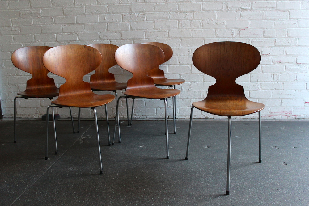 Set of six teak Arne Jacobsen 'ant' chairs - Fritz Hansen