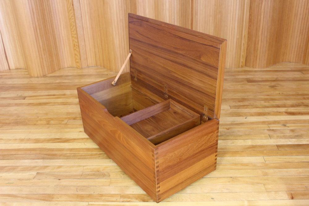 Danish teak blanket box / kist - Salin Mobler, Nyborg