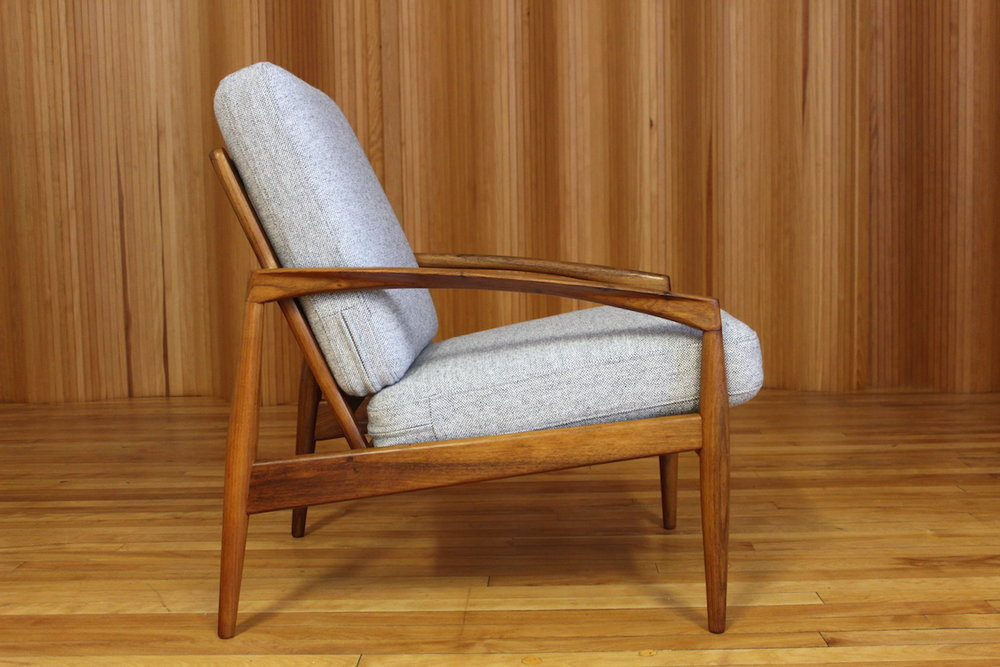 Kai Kristiansen 'paperknife' lounge chair - model 121 - manufactured by Magnus Olesen, Denmark