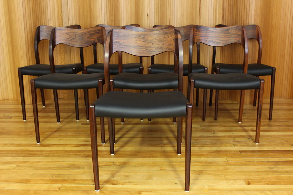 Set of 8 Niels Moller rosewood dining chairs, model 71, manufactured by JL Moller, Denmark.