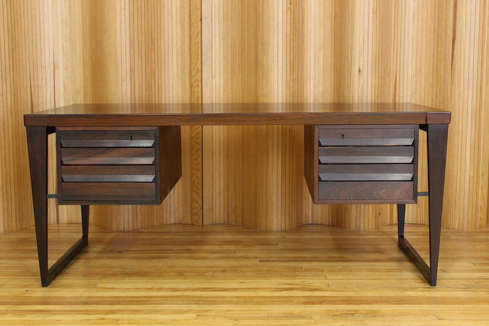 Kai Kristiansen rosewood desk - model 70 - manufactured by SB Feldballes Mobelfabrik 1958