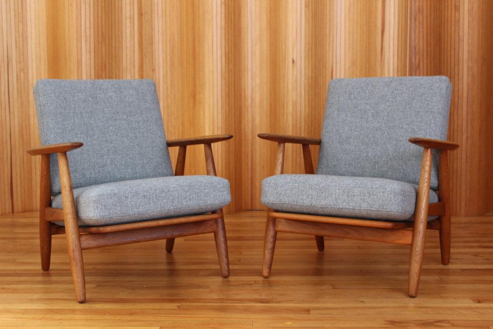 Pair Of Hans Wegner Oak U0027cigaru0027 Lounge Chairs   Model GE240   Getama