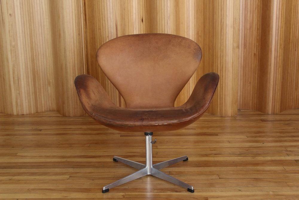 Arne Jacobsen Swan chair Fritz Hansen Denmark