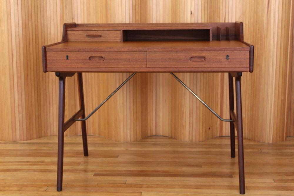 Arne Wahl Inversen model 56 teak desk Vinde Mobelfabrik