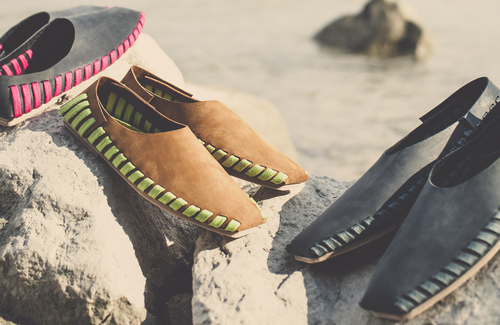 pikkpack-diy-shoes-at-the-beach.jpg