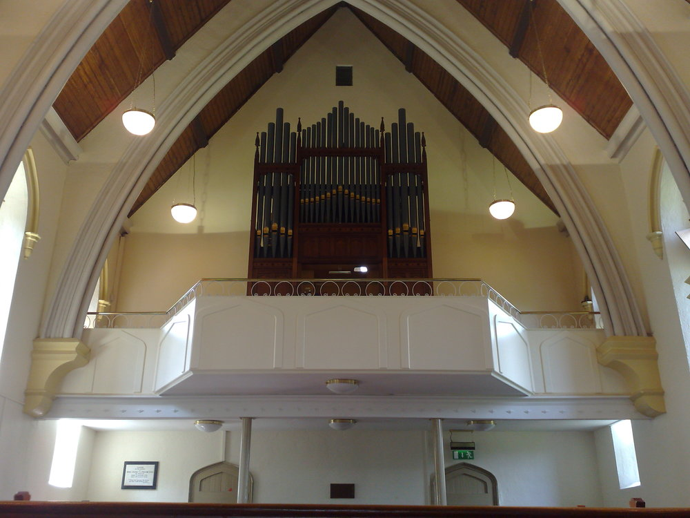 I wouldn't want to be relying on maintenance on this organ for a living.........it has hardly needed any attention since we fitted it!