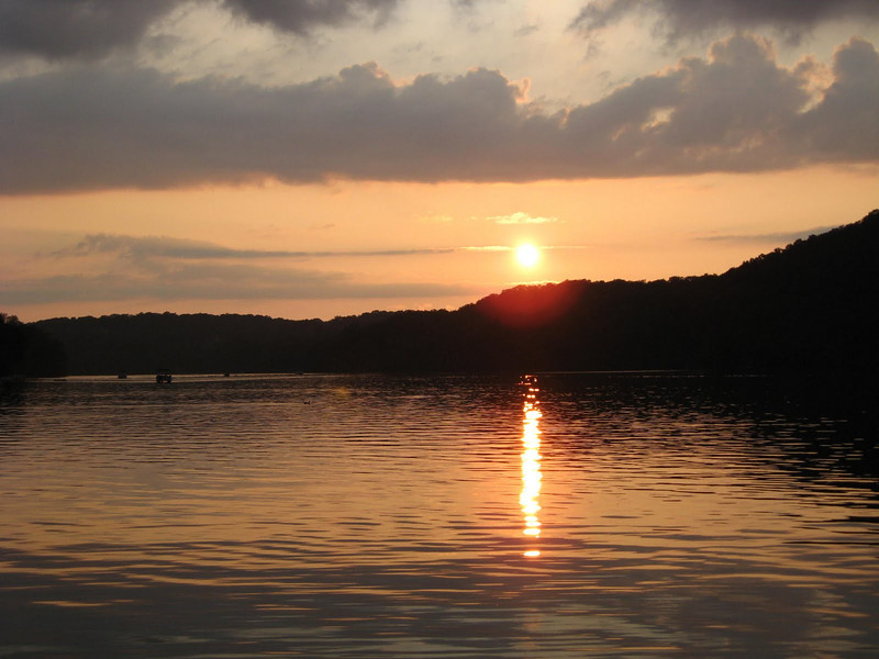 Lake Waccabuc.jpg