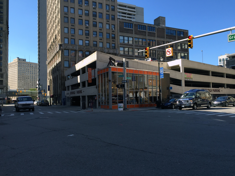 Outside shot of the coffee shop: it's built into the side of a parking structure.