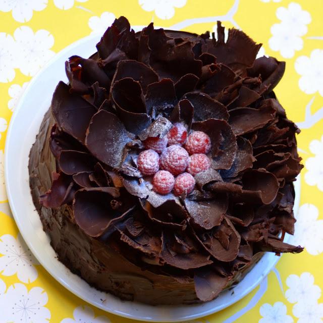 chocolate_raspberry_cake_6.jpg
