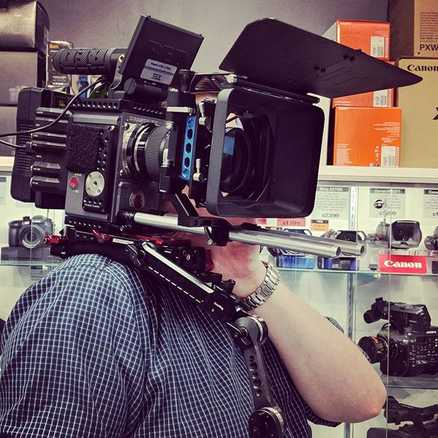 Sean @ DV Shop trying out our custom frankenrig for my RED Scarlet-W. Buy stuff there. They're so awesome. #dvshop #toronto #smallbusiness #filmmaker #the6ix #redcamera #redscarlet #sigma #amazing #film #dp #cinematography #cinema #tv #production #setlife