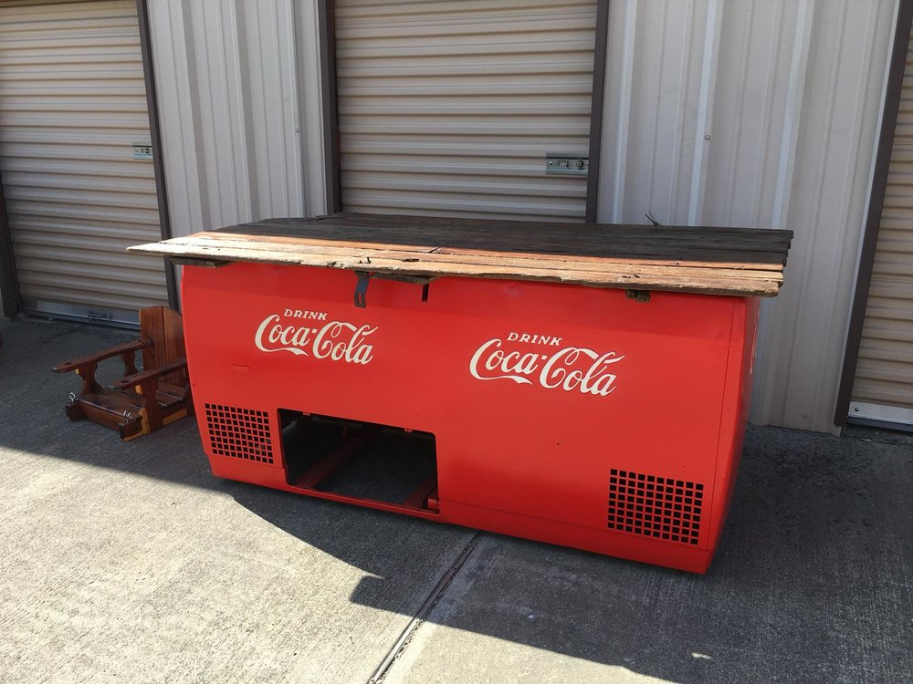 *HELPING ANGELS OF KAUFMAN COUNTY SIGNATURE ITEM* Custom Made Dual Coke Box Picnic Table. Includes 6 stools
