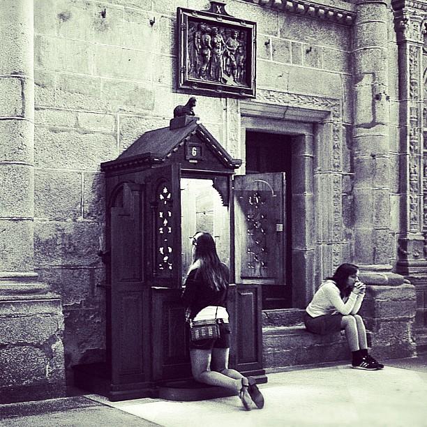 Memorias: Reza dos Ave Maria y sigue pecando. #santiagodecompostela (Taken with  instagram )