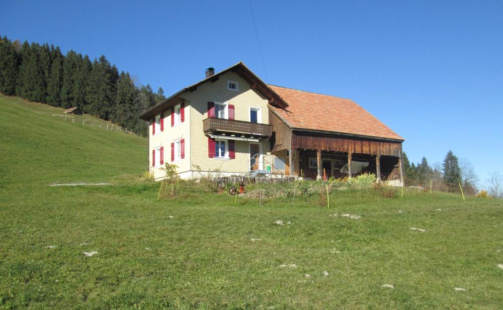 Bauernhaus Müserberg 3 mit direkt angebautem Stall