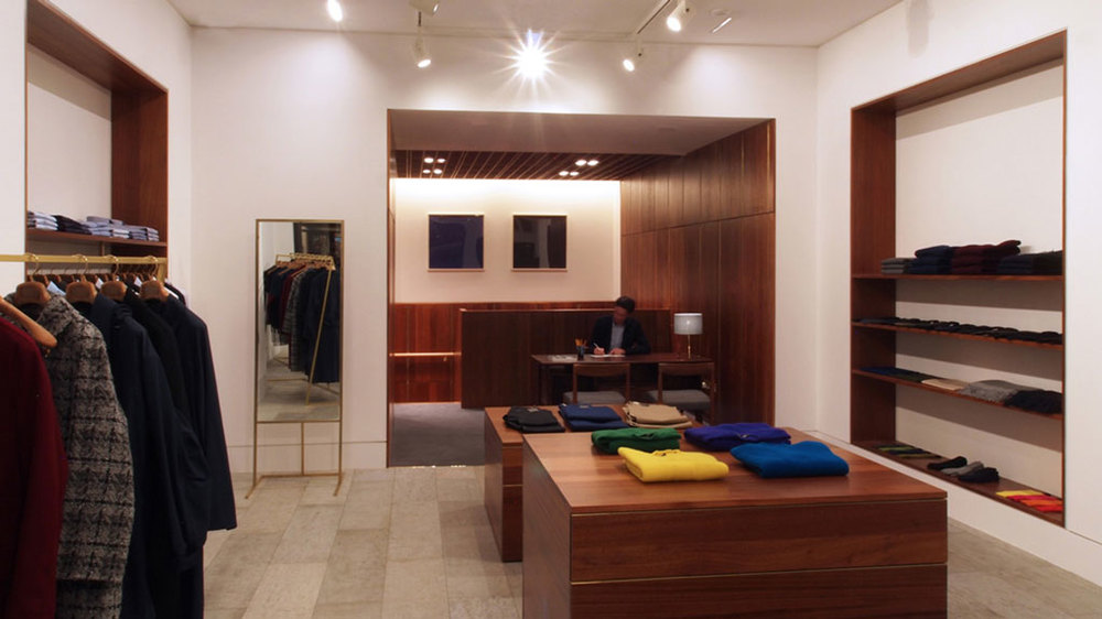 E.Tautz Menswear retail fixtures   by HF Contracts.
