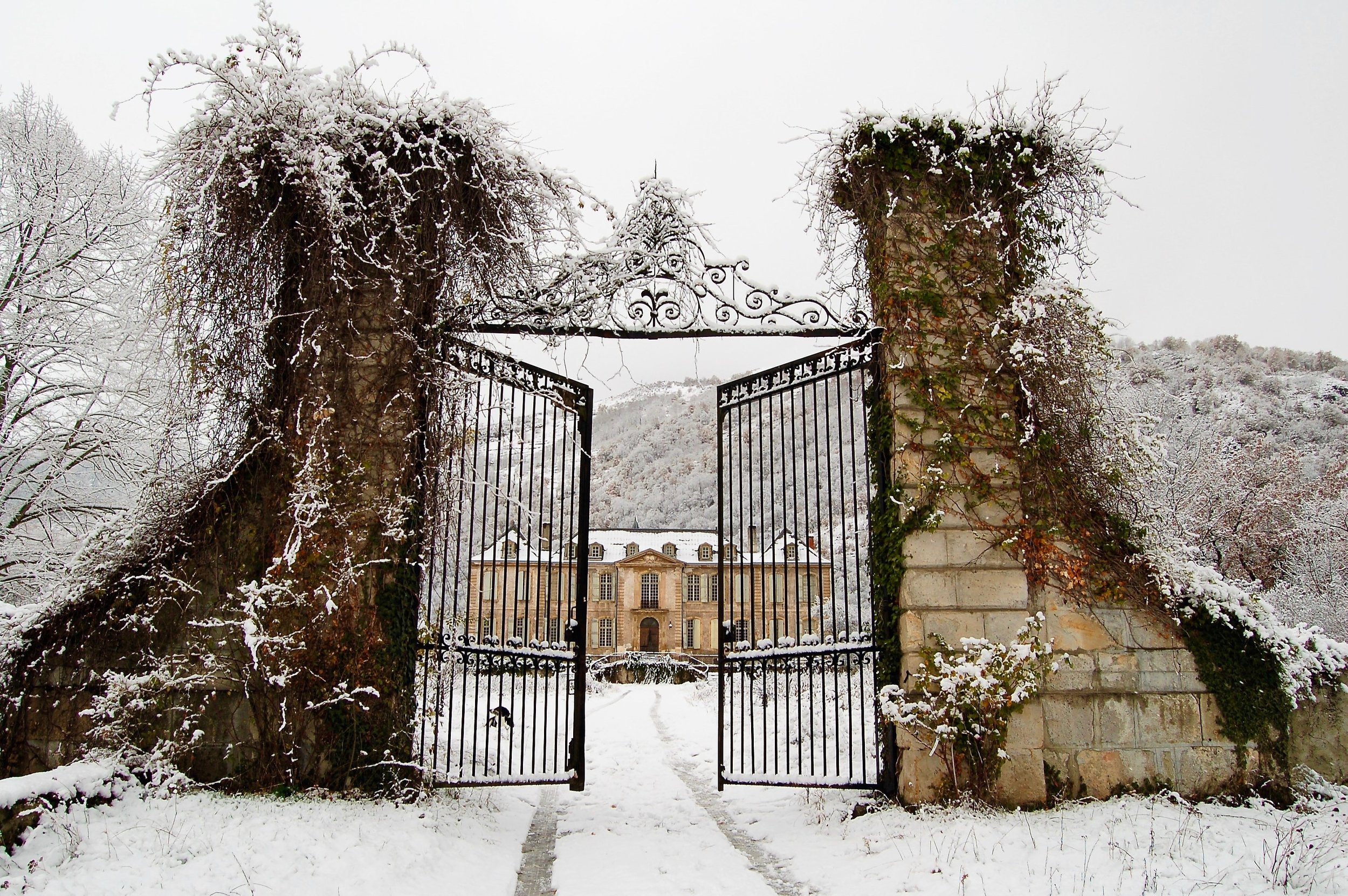 Escaping Tail End Of Winter By Roaming >> A True Love Story Never Ends Chateau De Gudanes