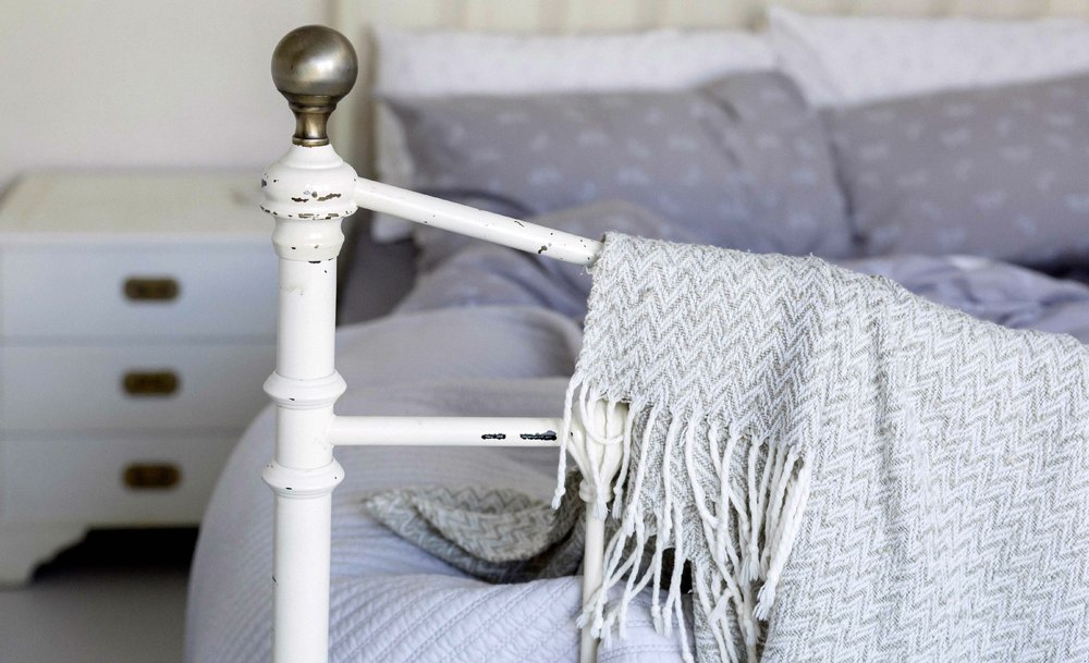 bed-throw-vintage-web.jpg