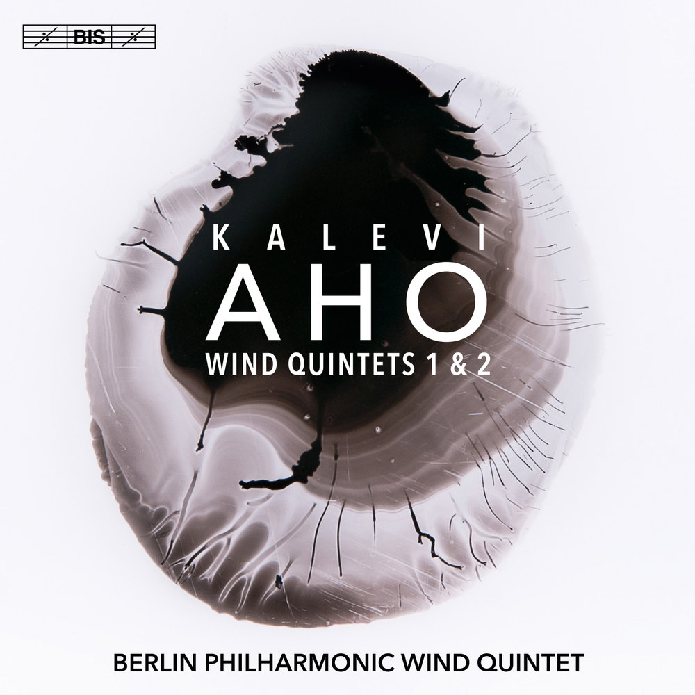 WORLD PREMIERE RECORDINGBIS CD 2176 - Kalevi Aho - WIND QUINTETSThe first quintet, commissioned by the Turku Philharmonic, gets off to a challenging start. It's a reminder that Aho really knows the instruments for which he writes, and that means he can fully exploit – and artfully force – their range and colour. That, in turn, creates sound worlds of great vigour and interest. The techniques on show here are just astonishing, and, as expected, these players make it all look so easy. There is much to delight the ear and exercise the mind, and even those wary of contemporary music will find that, despite some tart writing, these quintets are no acid bath. Indeed, the composer's modus operandi, which melds academicism and accessibility, is evident in both works. To top it all, engineer Stephan Reh captures these delectible tone-feasts in sound of immense poise and presence.Dan Morgan – MusicWeb International 07/2018