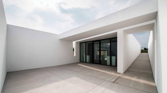 Muzeum L -  Kris Dimitriadis