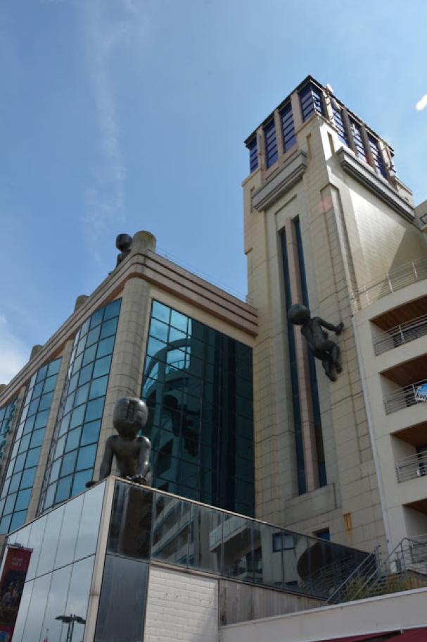 "O 3°7'45"" / N 51°19'00"" // BLANKENBERGE (BE) : modernistische toren casino"