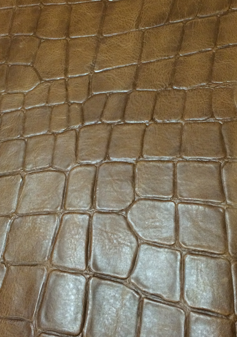 Large Croc Effect - Tan